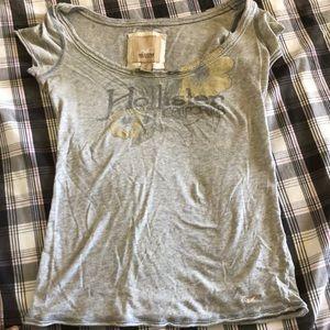 Grey Hollister t-shirt